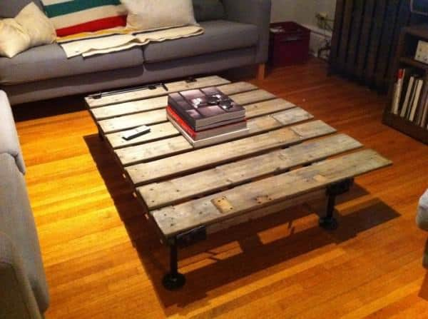 Fence Coffee Table 1 • Do-It-Yourself Ideas
