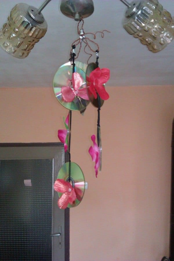 Old Cds Flower Chandelier 1 • Do-It-Yourself Ideas