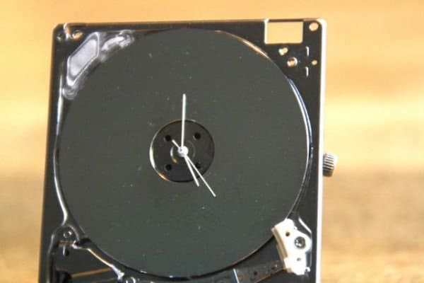 Ipod Hard Drive Turned Into Tiny Clock 2 • Recycled Electronic Waste