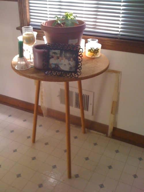 Cork Board Table 1 • Do-It-Yourself Ideas