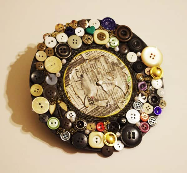 Old Button Clock 1 • Do-It-Yourself Ideas