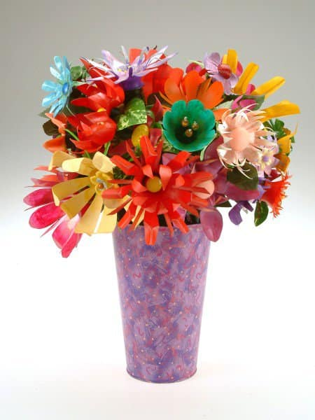 Upcycled Plastic Pop & Water Bottles Into Beautiful Flower Bouquets 1 • Accessories