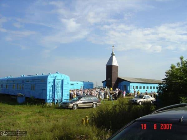 Old Railway Car Transformed Into Orthodox Church 6 • Home Improvement