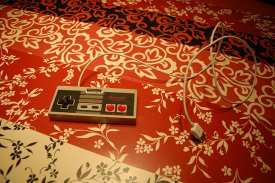 NES-iPhone-dock-recycled-recyclart1
