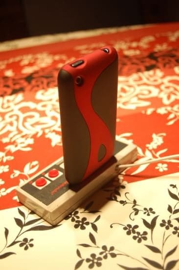 NES-iPhone-dock-recycled-recyclart4