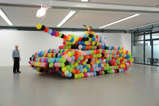 Balloon Tank 1 • Interactive, Happening & Street Art