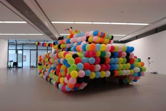 Balloon Tank 2 • Interactive, Happening & Street Art
