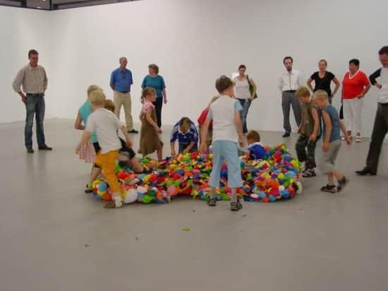 Balloon Tank 5 • Interactive, Happening & Street Art