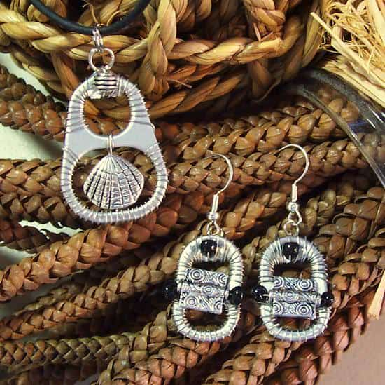 Upcycled Can Tabs Into Jewelry 1 • Upcycled Jewelry Ideas