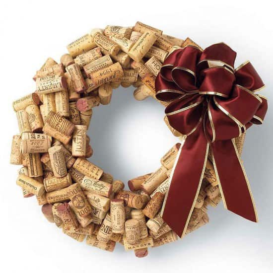 Diy Wine Cork Wreath (Video Tutorial) 1 • Do-It-Yourself Ideas