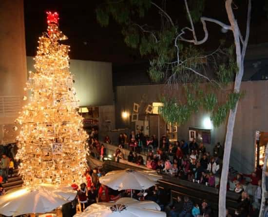 Christmas Tree From Upcycled Shopping Carts 1 • Interactive, Happening & Street Art