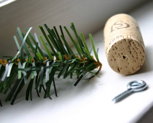 Diy: Tiny Trees From Upcycled Corks 5 • Do-It-Yourself Ideas