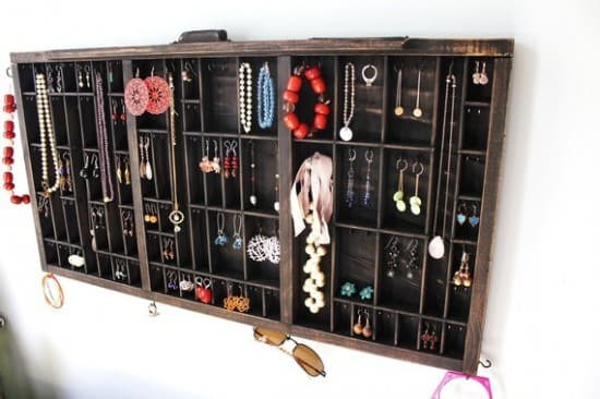Drawer --> Jewelry Display 1 • Accessories