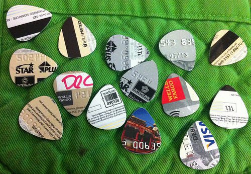 Any Plastic Card Into Guitar Picks 2 • Accessories