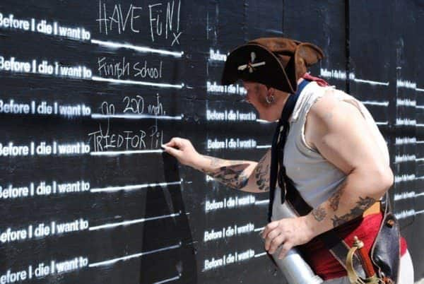 Before I Die I Want To... 4 • Interactive, Happening & Street Art