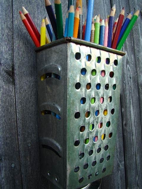 Diy : Cheese Grater Pencil Holder 2 • Accessories