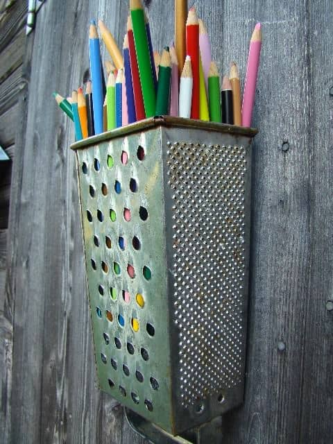 Diy : Cheese Grater Pencil Holder 1 • Accessories
