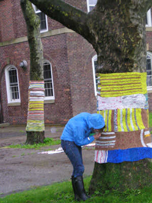 Knit For Trees ! 2 • Interactive, Happening & Street Art
