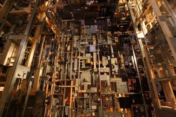 Spectacular Dead Computers Room Installation ! 3 • Recycled Art