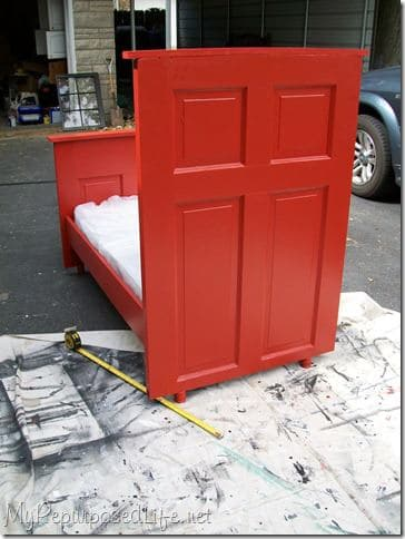 Door --> Toddler Bed ! 2 • Do-It-Yourself Ideas