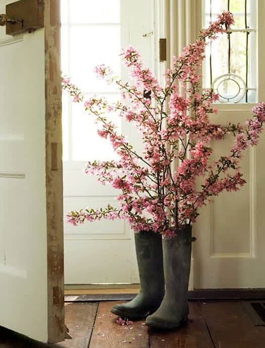 Boots of Flowers 1 • Do-It-Yourself Ideas