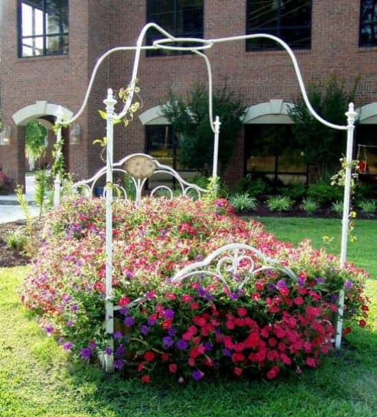 Flower Bed 1 • Do-It-Yourself Ideas