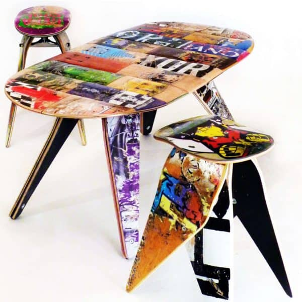 Two_Stool_and_table