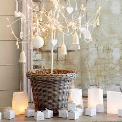 festive-mantelpiece-christmas-christmas-decorating-ideas-the-white-company-roomenvy