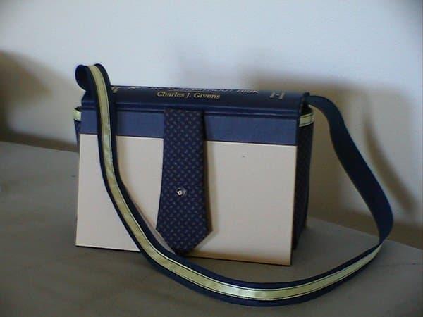 book-purses-008