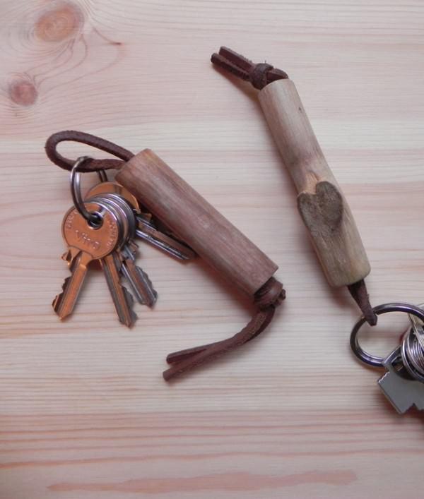 kiwi_wooden_keychain