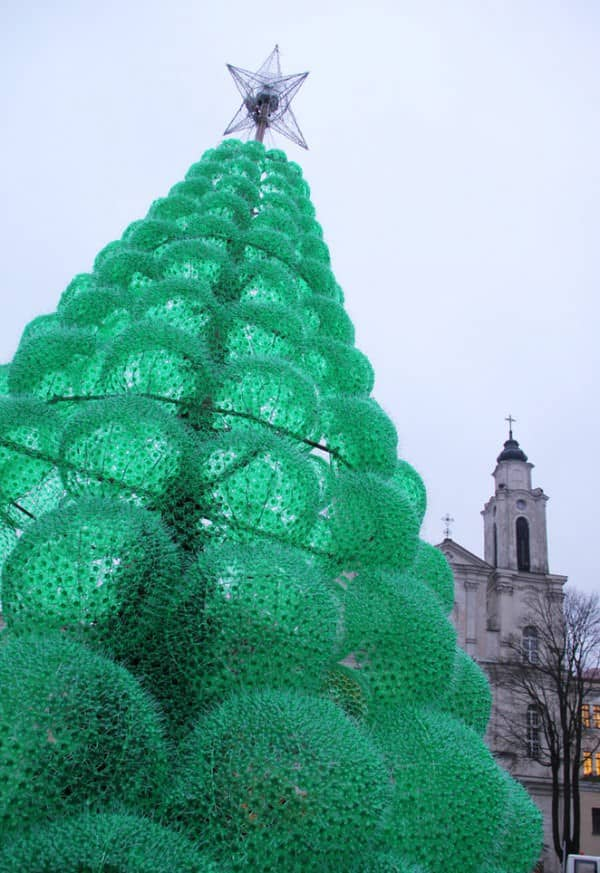 Christmas Tree Made From 40,000 Recycled Plastic Bottles 1 • Recycled Packaging