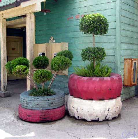Tire Planters 1 • Do-It-Yourself Ideas