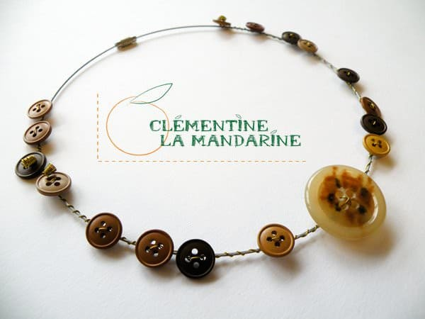 button_necklace1