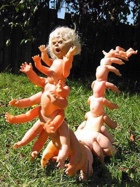Creepy Scorpio-doll 1 • Accessories