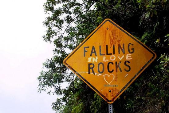 Falling (In Love) Rocks! 1 • Interactive, Happening & Street Art