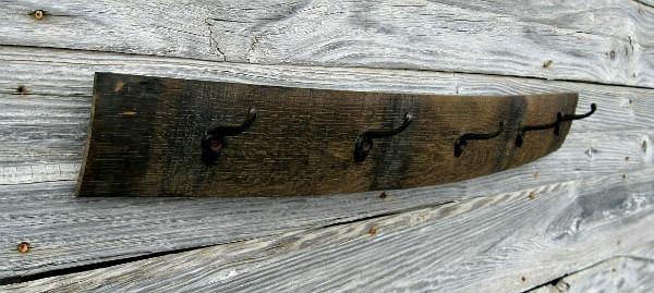 wine-barrel-coat-rack-with-rusty-cast-iron-hooks-2