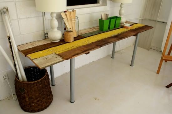 Diy : Table from Reclaimed Wood 2 • Do-It-Yourself Ideas