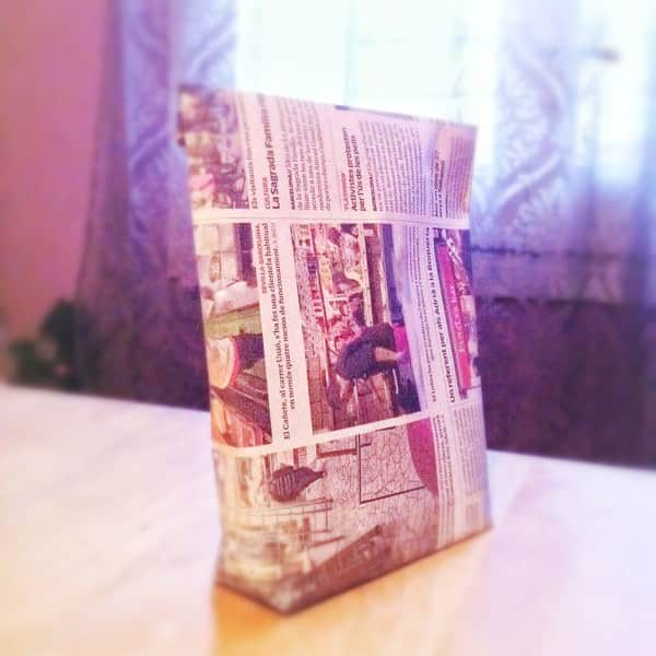 Gift Bag with a Newspaper 1 • Do-It-Yourself Ideas