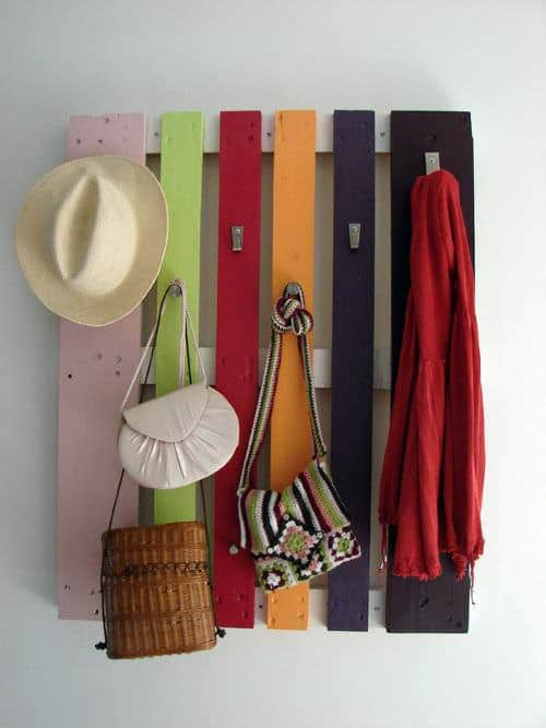 Diy : Colorful Pallet Coat Rack 1 • Do-It-Yourself Ideas