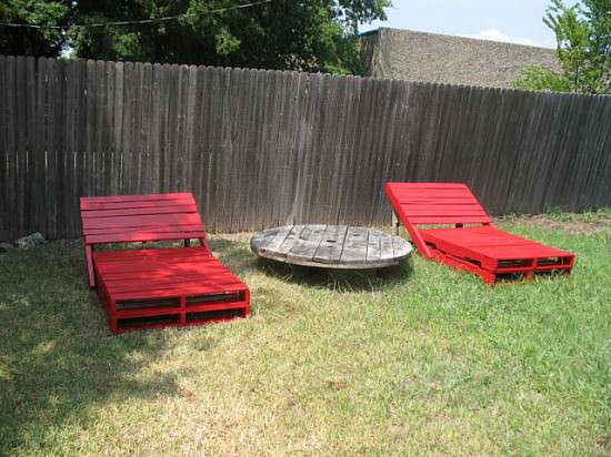 Diy : Pallet Lounge Chairs 1 • Do-It-Yourself Ideas