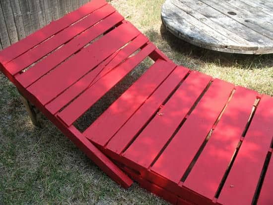Diy : Pallet Lounge Chairs 2 • Do-It-Yourself Ideas