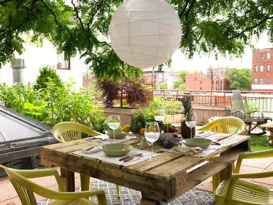 Pallet to Table 1 • Do-It-Yourself Ideas