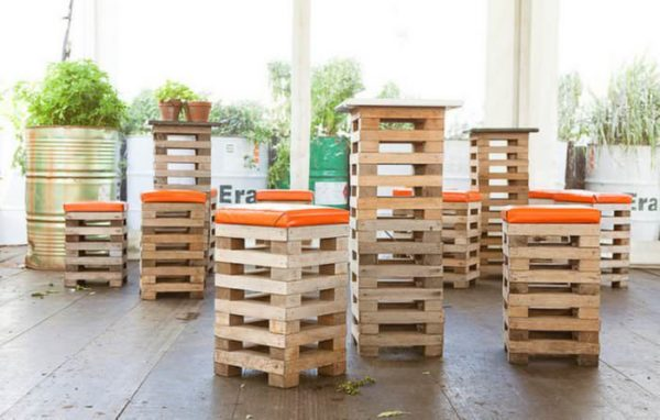 Recycled Pallets Into Stools 1 • Recycled Pallets