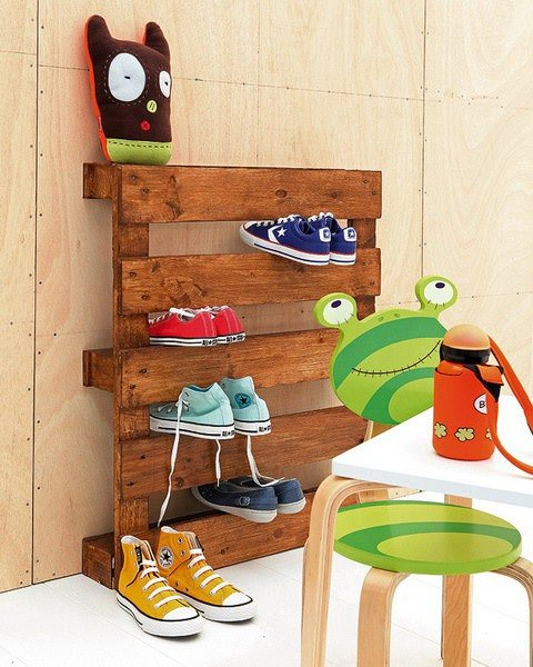 The Most Simple Pallet Shoe Rack 1 • Recycled Pallets