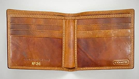 Old Baseball Gloves Upcycled Into Fashion Wallets 4 • Accessories