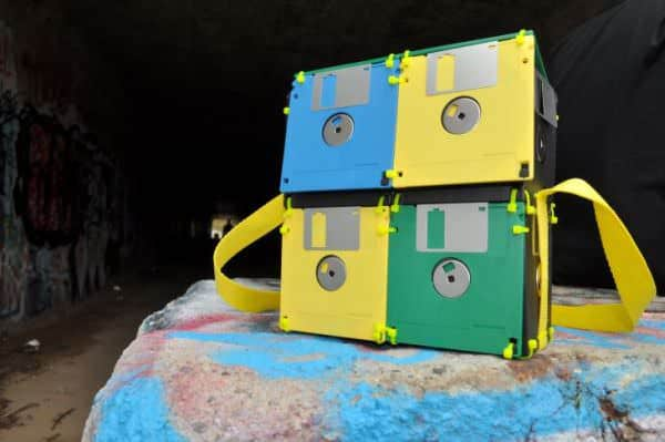 recyled-Floppy-Disk-Bags-by-Roxanne-Gibson-4