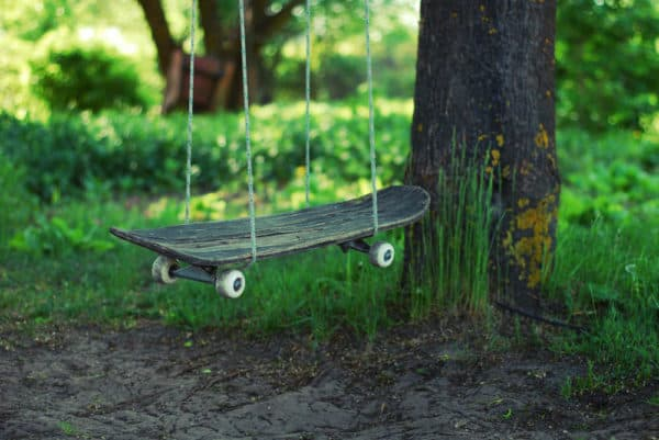 Skateboard Swing 1 • Do-It-Yourself Ideas