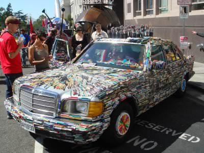 Mercedes+Pens+Art+Car