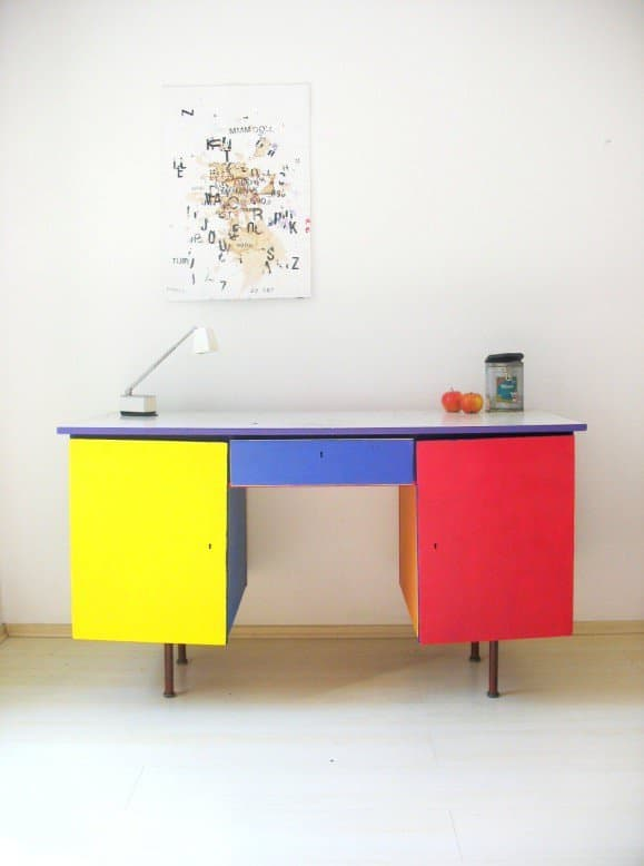 painted_desk_1