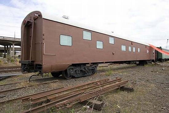 1949 Sleeper Car Converted into Luxurious Home 4 • Home Improvement
